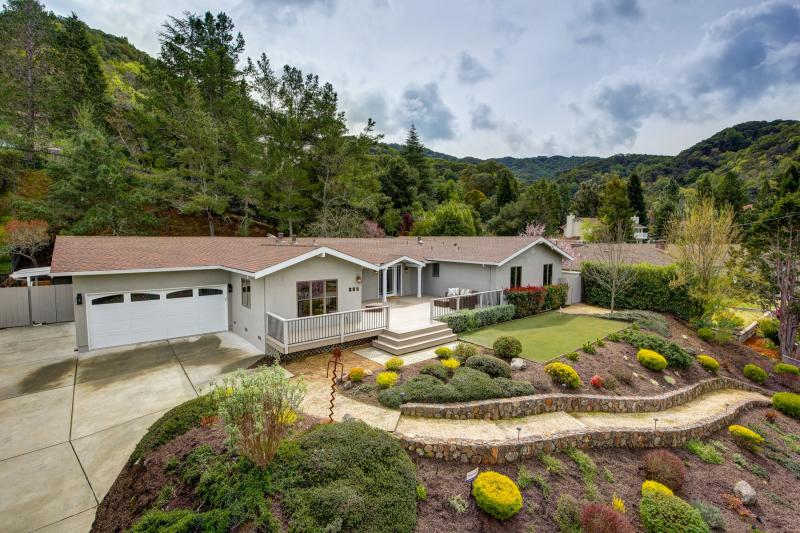 385 Fairway Drive, Novato #1