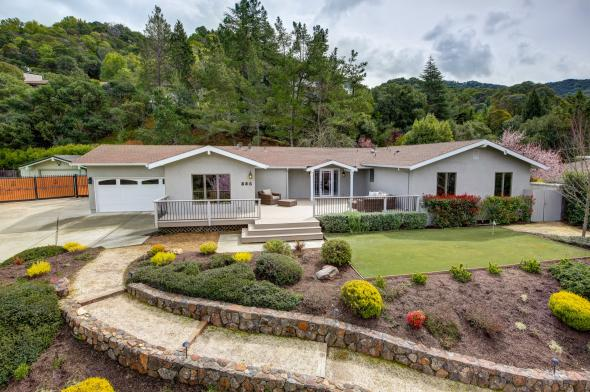385 Fairway Drive, Novato #2