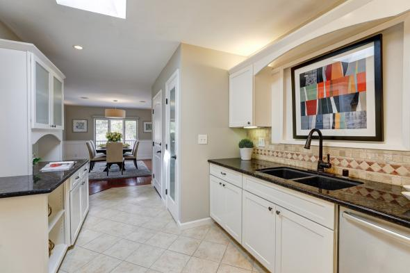 385 Fairway Drive, Novato #14