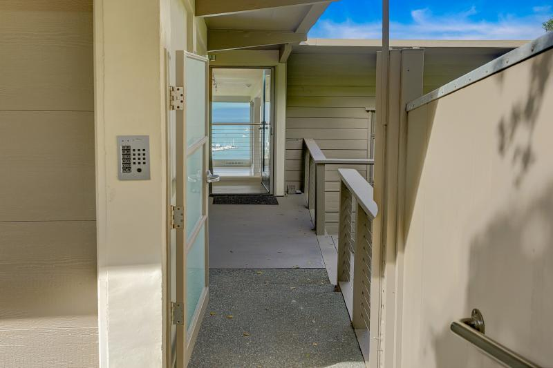 10 Booker Avenue, Sausalito #2