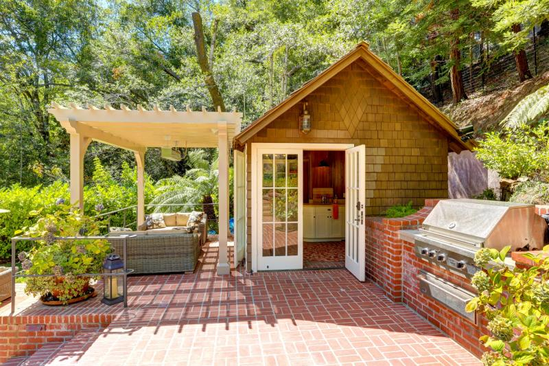 206 Lagunitas Road, Ross #12